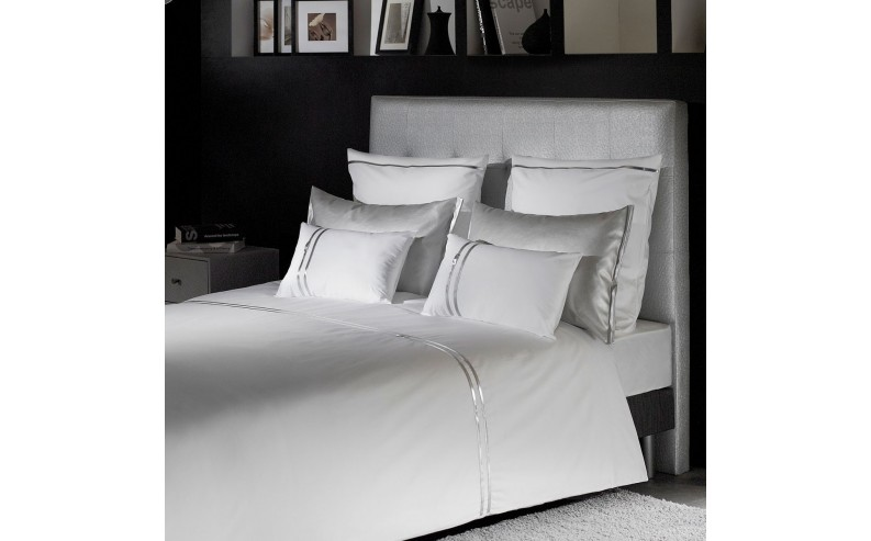 housse de couette kim n blanc collection argent liou. Black Bedroom Furniture Sets. Home Design Ideas
